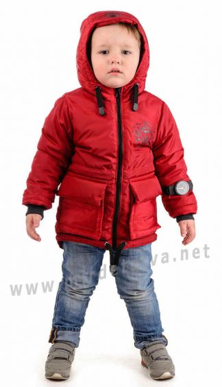 Красная демисезонная куртка на мальчика Traveler Компас